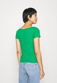 NAF NAF - OFLIPPO - T-shirts print - vert rio - 2