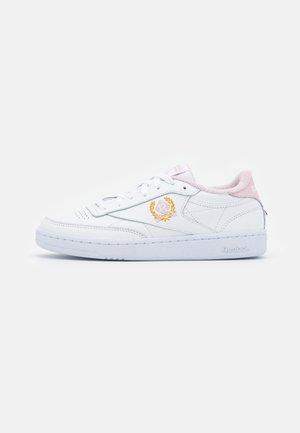 CLUB C 85 - Matalavartiset tennarit - footwear white/frost berry