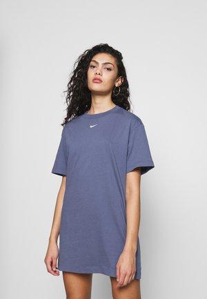 Sukienka z dżerseju - diffused blue/white