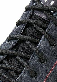 Haglöfs - Hiking shoes - magnetite/true black - 3