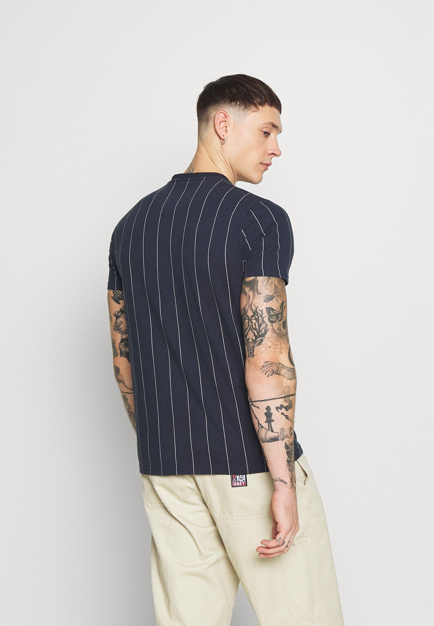 Hollister Co. SCRIPT LOGO  - Print T-shirt - navy stripe 7i1HT
