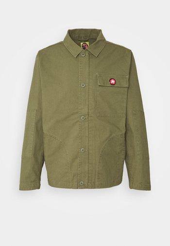 STRUMMER JACKET - Summer jacket - army green