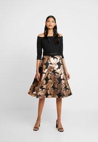 Dorothy Perkins - BARDOT SOLID BODICE BELTED DRESS - Cocktail dress / Party dress - black - 2