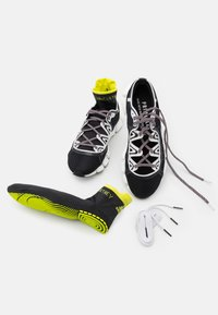 adidas by Stella McCartney - ASMC CLIMACOOL VENTO - Zapatillas de running neutras - footwear white/acid yellow/core black - 5