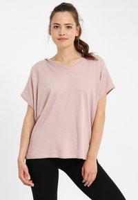 PONCHO COMPANY - T-shirt basic - mauve - 0