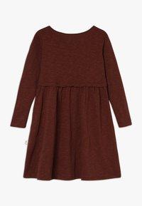 Mainio - BUTTON DRESS SLUB - Jersey dress - hot chocolate - 1
