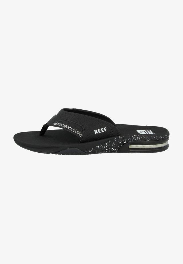 FANNING - Slippers - black-black-white