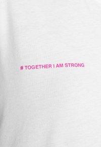 YOURTURN - T-shirt med print - white - 12
