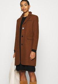 Selected Femme - SLFELINA - Short coat - dachshund - 4