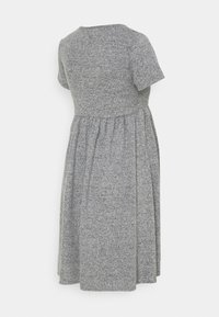 MAMALICIOUS - MLCAILA DRESS - Sukienka dzianinowa - medium grey melange - 1