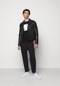 KARL LAGERFELD - Sweatshirt - black/white - 1