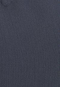 ONLY Carmakoma - CARLIZETTA - Bluser - ombre blue - 6