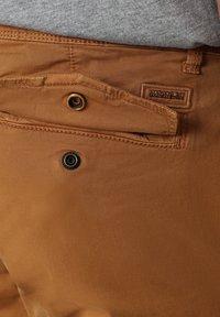 Napapijri - MOTO - Cargo trousers - chipmunk beige - 2