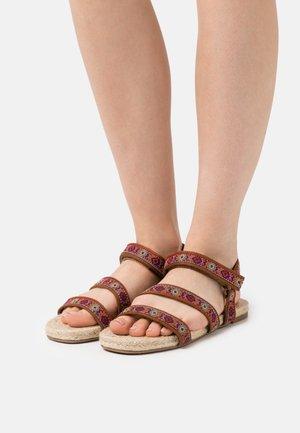 Sandals - bordeaux