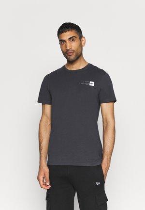 Jednoduché triko - middle grey