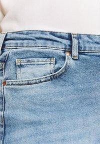 ONLY Carmakoma - CARENEDA LIFE  - Jeans Skinny Fit - light blue denim - 3