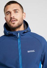 Regatta - AREC  - Soft shell jacket - dark blue/blue - 3