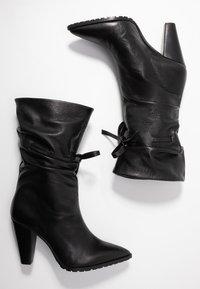 Day Time - KORA - Højhælede støvler - matrix nero - 3