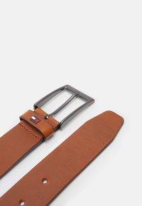 Tommy Hilfiger - LAYTON - Belt - brown - 1