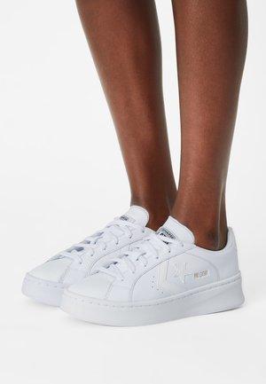 PRO LIFT - Tenisky - white