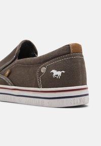 Mustang - Nazouvací boty - grau - 6