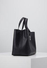 Armani Exchange - SHOPPING BAG - Håndveske - black - 4