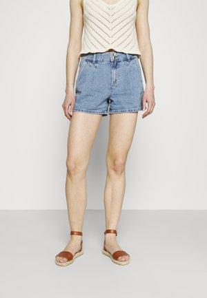ONLDEBBIE LIFE - Denim shorts - light medium blue denim