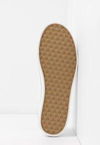 Tommy Hilfiger - GLITTER DETAIL FLATFORM  - Sneakers - white - 6