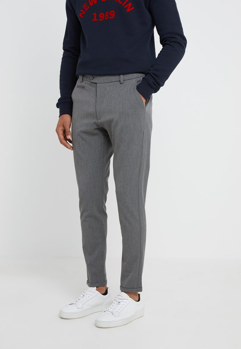 Les Deux - SUIT PANTS COMO - Trousers - grey melange