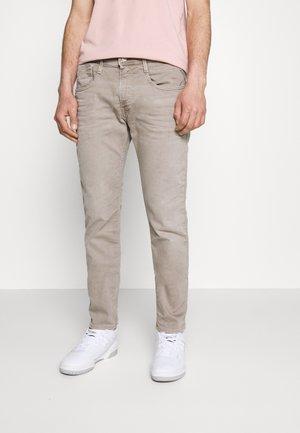 ANBASS - Jeans slim fit - safari