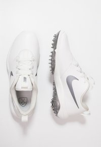 Nike Golf - ROSHE G TOUR - Golfové boty - summit white/metallic cool grey - 1