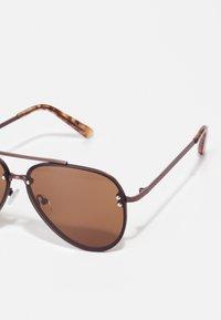 ALDO - FELEOGILD - Sunglasses - brown - 2