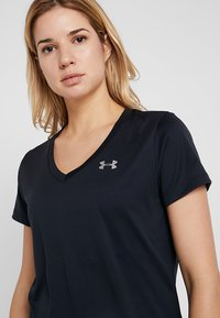 Under Armour - TECH - T-shirt basic - black/metallic silver - 3