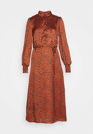 VIRAMDI FUNKEL DRESS - Shirt dress - burnt henna