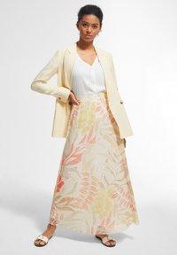 comma - BEDRUCKTER - A-line skirt - coral leaf - 1