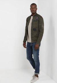 Be Edgy - BE THEO PAT - Denim jacket - khaki - 1