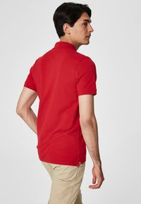 Selected Homme - SLHARO EMBROIDERY - Polo shirt - red - 2