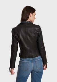 Oakwood - SAMANTHA  - Leather jacket - black - 2