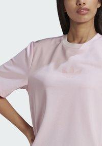 adidas Originals - Basic T-shirt - pink - 2