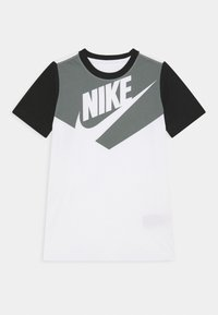 Nike Sportswear - TEE AMPLIFY  - Print T-shirt - white/black - 0