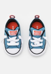 Converse - CHUCK TAYLOR ALL STAR STREET SUMMER COLOR UNISEX - Trainers - aegean storm/bright poppy/black - 3