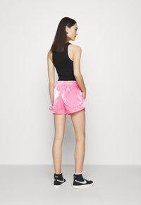 Nike Sportswear - AIR SHEEN - Shorts - pink glow/black - 2