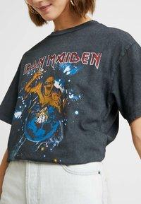 Topshop - IRON MAIDEN - Camiseta estampada - black - 5