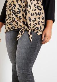 Samoon - Long sleeved top - light tannin brown gemustert - 1