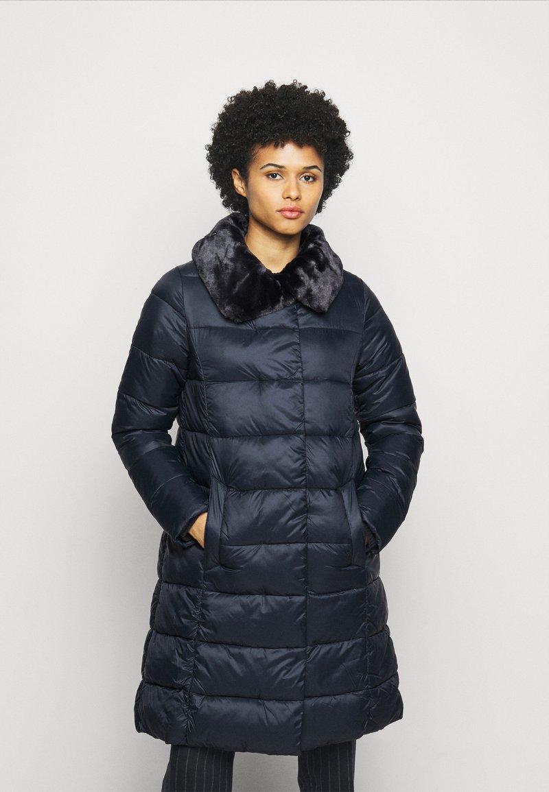 Barbour - TEASEL QUILT - Zimní kabát - dark navy