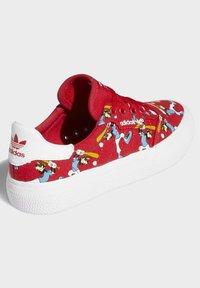 adidas Originals - DISNEY SPORT GOOFY - Skate shoes - red - 5