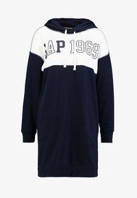 GAP - LOGO DRESS - Denní šaty - navy uniform - 4