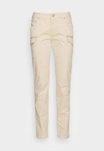 CAMILLE CARGO FALL PANT - Pantaloni cargo - wood ash