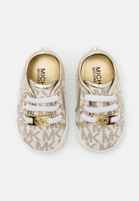 MICHAEL Michael Kors - BABY BORIUM - First shoes - vanilla - 3
