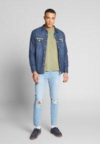 Levi's® - BARSTOW WESTERN STANDARD - Overhemd - indigo stone - 1